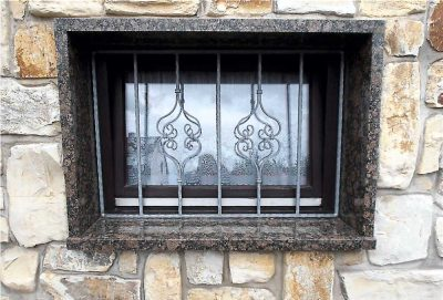 Fensterbänke und -einfassungen